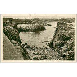 carte postale ancienne 22 ILE DE BREHAT. Les Rochers du Paon 1942. Carte Photo