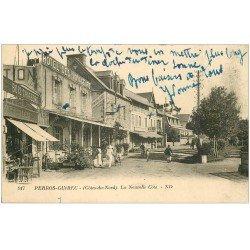 carte postale ancienne 22 PERROS-GUIREC. La Nouvelle Côte. Hôtel des Voyageurs et Bazar. Facteur en tournée