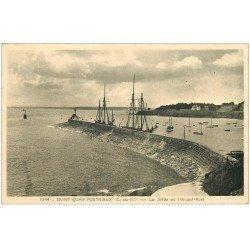 carte postale ancienne 22 SAINT-QUAY-PORTRIEUX. Jetée et Avant-Port 1951