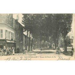 carte postale ancienne 77 FONTAINEBLEAU. Avenue du Chemin de Fer. Tampon Militaire