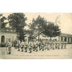 carte postale ancienne 77 FONTAINEBLEAU. 46° de Ligne Tambours et Clairons. Militaires et Caserne.