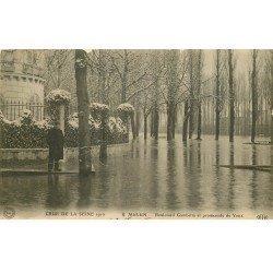 carte postale ancienne 77 MELUN. Crue Inondation 1910. Boulevard Gambetta Promenade de Vaux