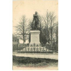 carte postale ancienne 77 COULOMMIERS. Statue Beaurepaire 1906