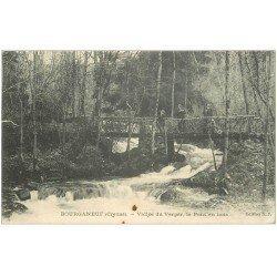 carte postale ancienne 23 BOURGANEUF. Le Pont en Bois Vallée du Verger avec personnages