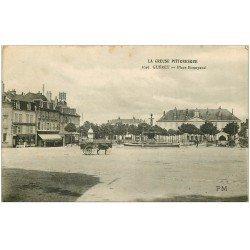 carte postale ancienne 23 GUERET. Place Bonnyaud. Epicerie du Centre et Café du Commerce