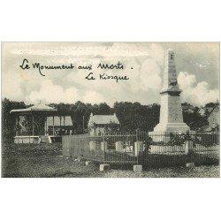 carte postale ancienne 25 FESCHES-LE-CHATEL. Kiosque et Monument aux Morts