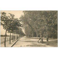 carte postale ancienne 03 VICHY. Boulevard de Russie 1928