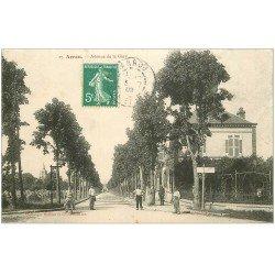 carte postale ancienne 28 ARROU. Avenue de la Gare 1909 avec Café
