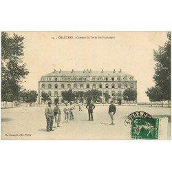 carte postale ancienne 28 CHARTRES. Caserne du Train des Equipages 1913. Militaires