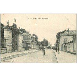 carte postale ancienne 28 CHARTRES. Cycliste Rue de Bonneval