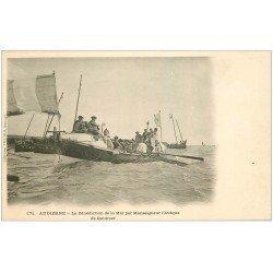 carte postale ancienne 29 AUDIERNE. La Bénédiction de la Mer mar l'Evêque de Quimper vers 1900