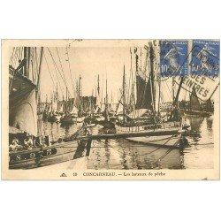 carte postale ancienne 29 CONCARNEAU. Les Bâteaux de Pêche vers 1930