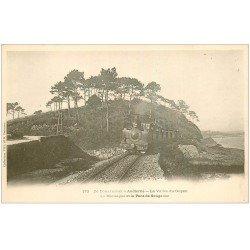 carte postale ancienne 29 LA VALLEE DU GOYEN. Train Pont de Souganso et Montagne vers 1900