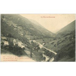 carte postale ancienne 31 HENNE MORTE. Le Village Route d'Aspet à Saint-Girons 1906