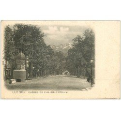 carte postale ancienne 31 LUCHON. Allée d'Etigny vers 1900 avec vespasienne