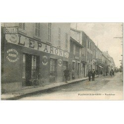 carte postale ancienne 32 PLAISANCE-DU-GERS. Rue Adour Epicerie l'Epargne 1924