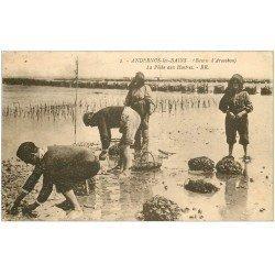 carte postale ancienne 33 ARCACHON. La Pêche aux Huîtres 1932
