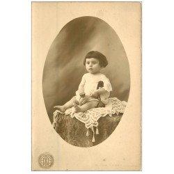 carte postale ancienne 33 BORDEAUX. Carte Photographie d'un Bébé. Albert Nazat Photographe à Bordeaux