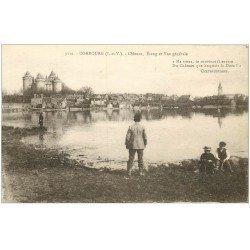 carte postale ancienne 35 COMBOURG. Château Etang et Pêcheur