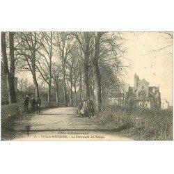 carte postale ancienne 35 DOL. Promenade des Douves 1916 écoliers