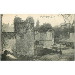 carte postale ancienne 35 FOUGERES. Porte Notre-Dame attelage