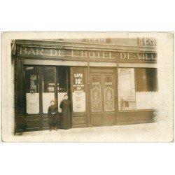 carte postale ancienne Rare 05 BRIANCON. Bar de l'Hôtel de Ville maison Briançon. Carte Photo