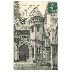 carte postale ancienne 37 TOURS. Cloître Psalette 1909 personnage