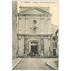 carte postale ancienne 06 ANTIBES. Enfants sur Perron de l'Eglise. Ancien Temple de Diane