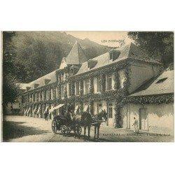 carte postale ancienne 65 BAGNERES-DE-BIGORRE. Bel attelage Thermes de Salut 1923