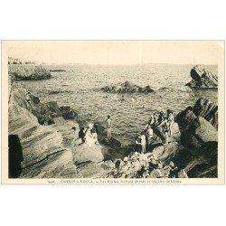 carte postale ancienne 06 CANNES La Bocca. Baigneurs sur les Roches et Iles Lérins