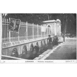 carte postale ancienne 65 LOURDES. Fontaine Miraculeuse 1911