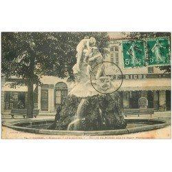 carte postale ancienne 65 TARBES. Fontaine, Café Riche et Recette Municipale Place Maubourguet 1912