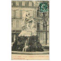 carte postale ancienne 65 TARBES. L'Innondation Fontaine Place Maubourguet 1910