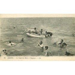 carte postale ancienne 76 DIEPPE. Baigneurs et Canot 1913