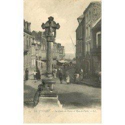 carte postale ancienne 76 LE TREPORT. Croix de Pierre rue de Paris 1905. Timbre manquant