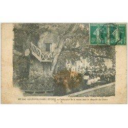 carte postale ancienne 76 ALLOUVILLE-BELLEFOSSE. La Messe Chapelle du Chêne 1918 (état médiocre)