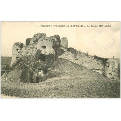 carte postale ancienne 76 ARQUES-LA-BATAILLE. Château le Donjon 2