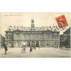 carte postale ancienne 76 ELBEUF. Hôtel de Ville 1907 animation