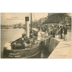 carte postale ancienne 76 LE TREPORT. Embarquement pour la Promenade. Navires et bateaux