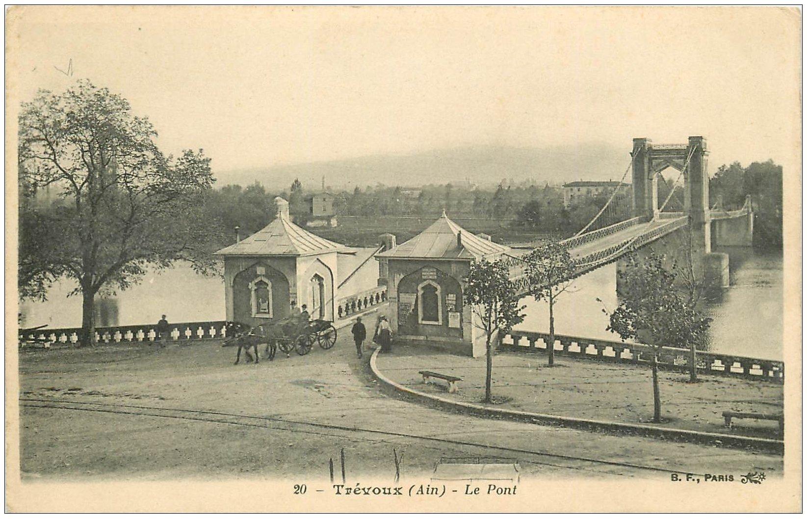 carte postale ancienne 01 TREVOUX. Attelage sur le Pont