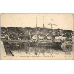 carte postale ancienne 06 GOLFE JUAN. Un coin du Port 1917. Voilier