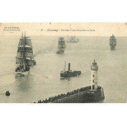 carte postale ancienne 76 FECAMP. Navires Terre-Neuviers e Rade 1914