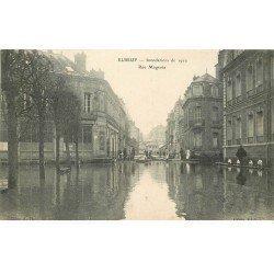 carte postale ancienne 76 ELBEUF. Crue de la Seine 1910 Rue Magenta