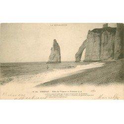 carte postale ancienne 76 ETRETAT. Vagues et Falaises 1903
