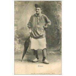 carte postale ancienne 01 Un Type Bressan avec parapluie