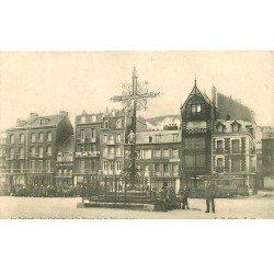 carte postale ancienne 76 LE TREPORT. Calvaire Place Poissonnerie