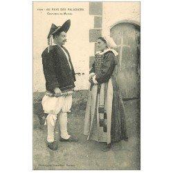 carte postale ancienne 44 AU PAYS DU SEL. Paludiers en costumes de Mariés