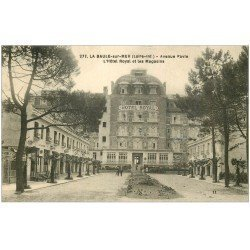 carte postale ancienne 44 LA BAULE. Hôtel Royal Avenue Pavie