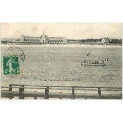 carte postale ancienne 44 LE CROISIC. Bateau service du Croisic à Pen Bron 1908