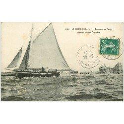 carte postale ancienne 44 LE CROISIC. Chaloupe de Pêche 1911